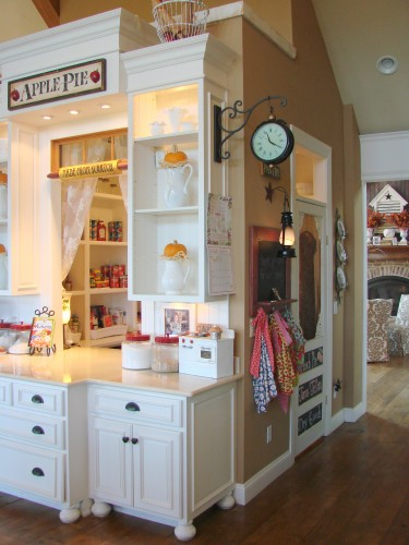 Walk through pantry-featured at ItsSoVeryCheri.com