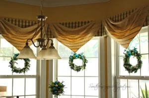 window-wreaths